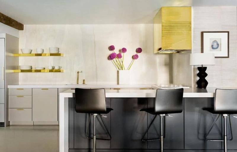 Латунь в интерьере кухни 1