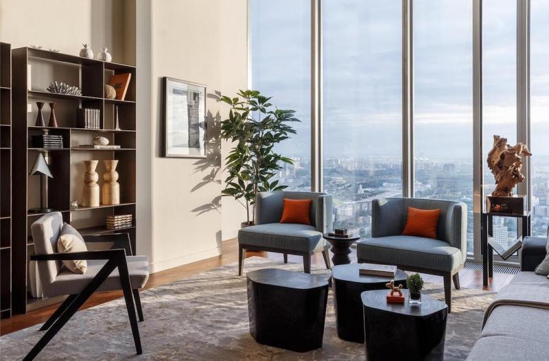 Практичный интерьер гостиной 1
