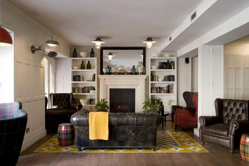 Практичный интерьер гостиной 3