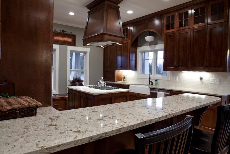 Дизайн кухни с каменной столешницей 10
