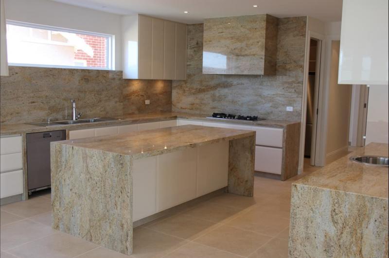 Столешница и камня на кухне 4