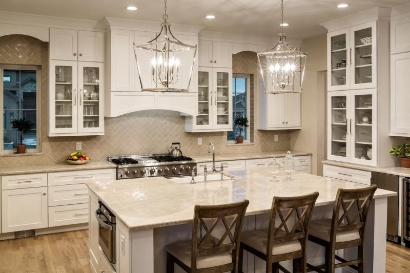 Столешница и камня на кухне 6
