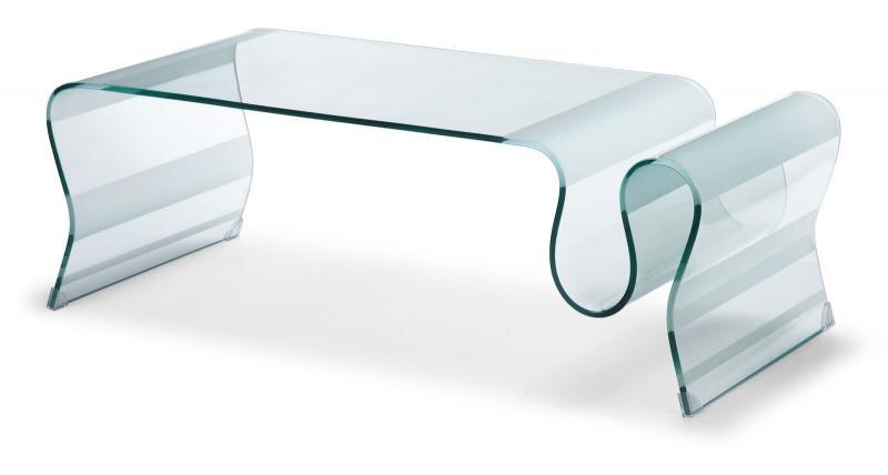 Кофейный столик из стекла в интерьере 1