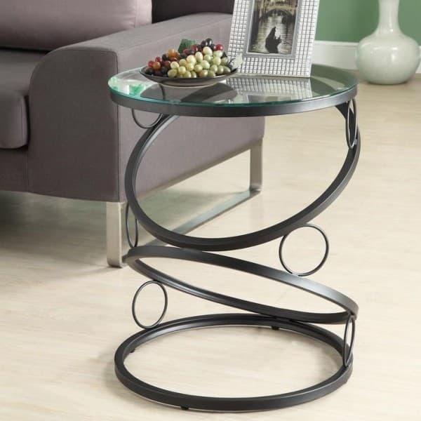 Кофейный столик из стекла в интерьере 3