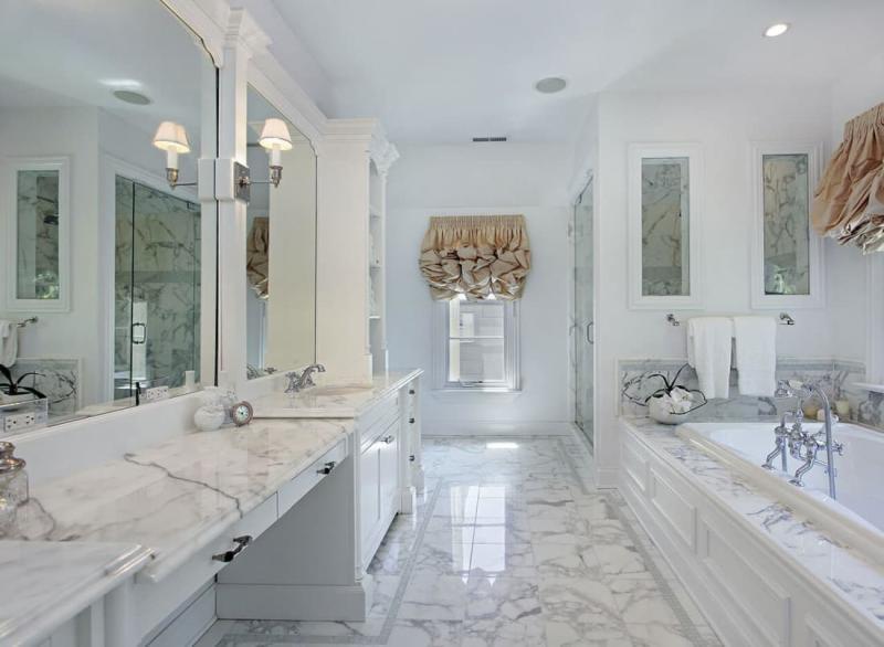 Кварцевая столешница в интерьере ванной комнатнаты 5