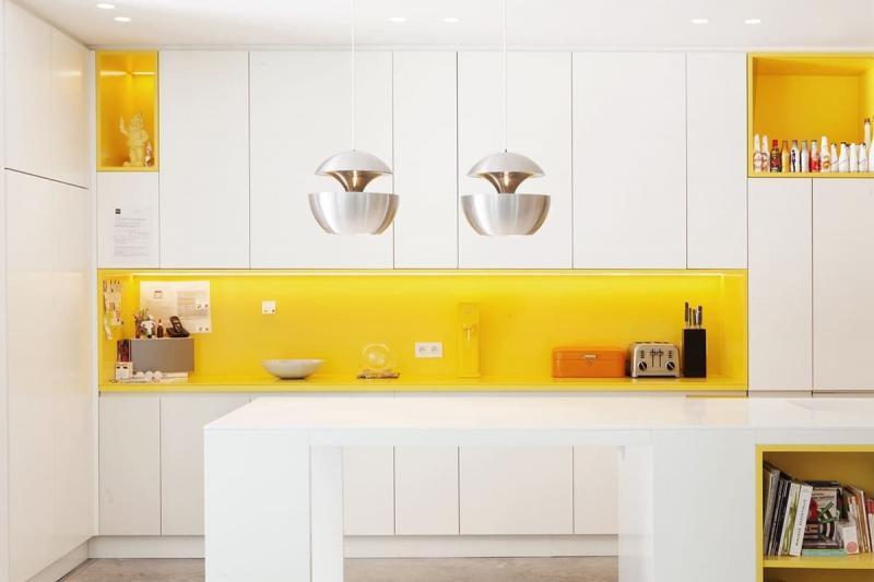 Стиль минимализм в интерьер кухни 8