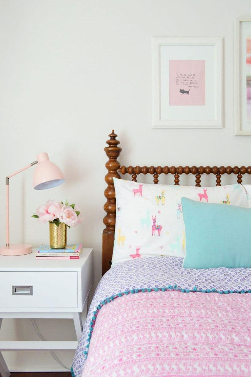 Узоры в спальне для девушки 1