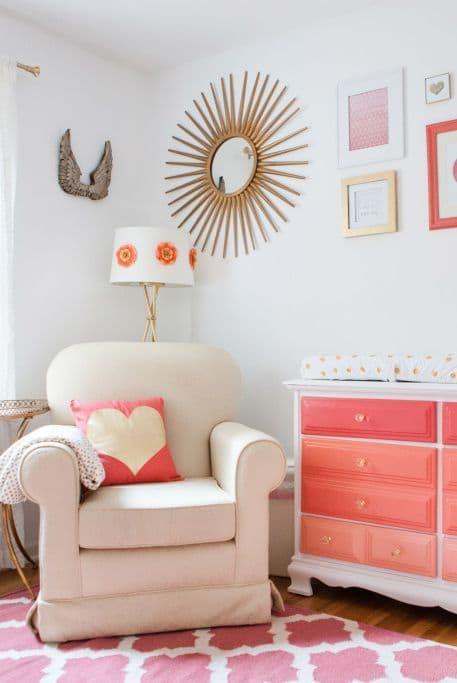 Яркая мебель в спальне для девушки 1