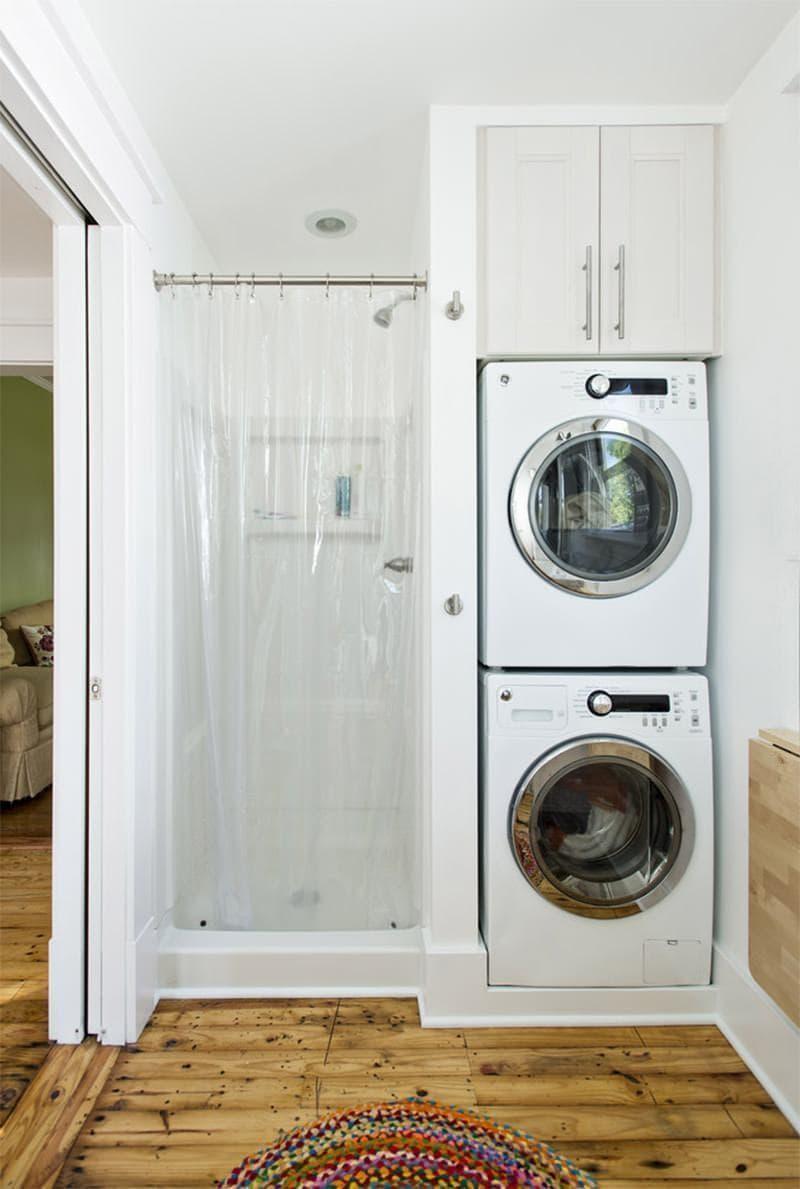 Стиральная машина в интерьере ванной в нише 1