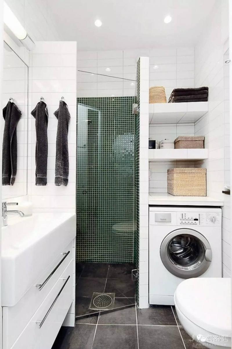 Стиральная машина в интерьере ванной в нише 2