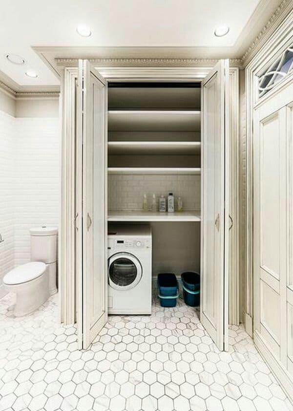 Стиральная машина в интерьере ванной в шкафу 2