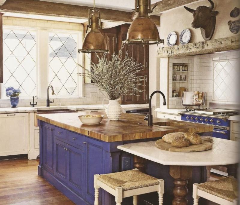 Маленькая кухня в стиле прованс 7