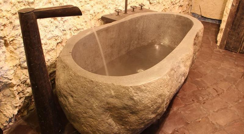 Ванная из камня 2