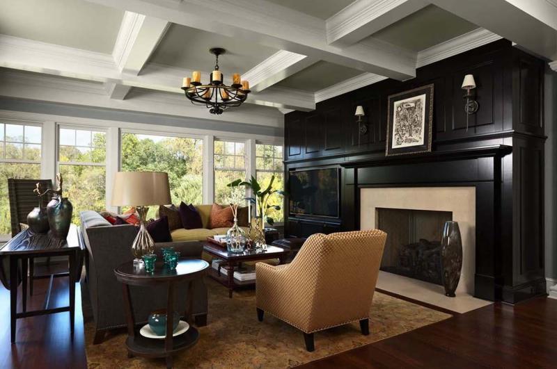 Черный камин в интерьере гостиной 1
