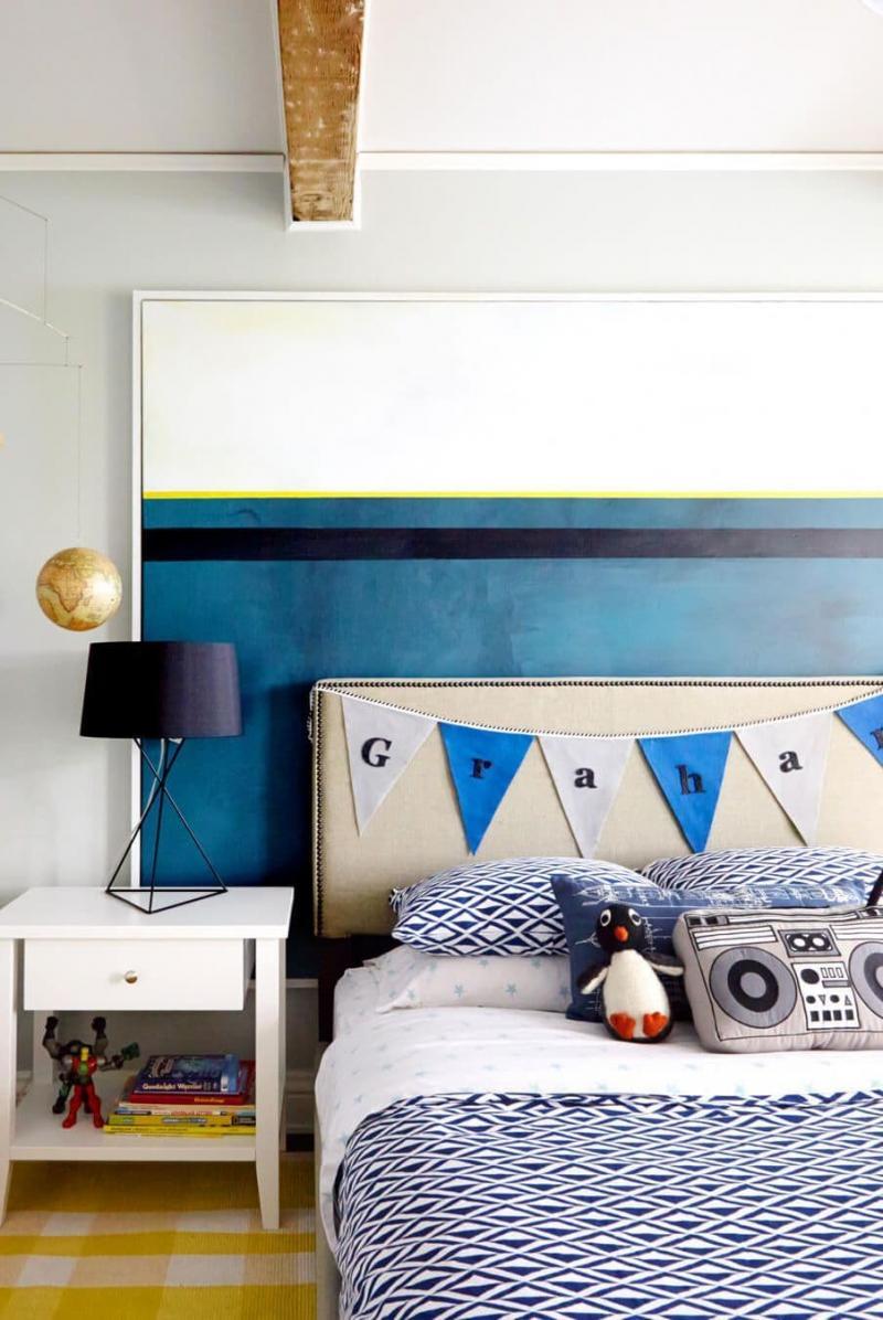 Необычные подушки в комнате мальчика 1