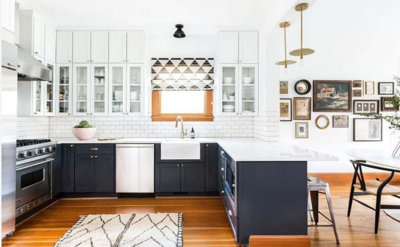 Кухонный гарнитур для куни 2019 двухцветный 1