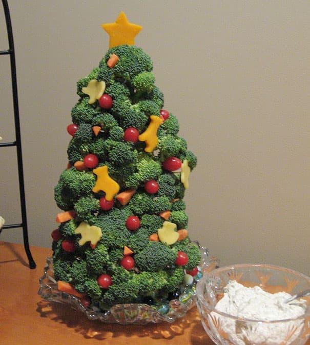 Новогодняя ёлка из овощей 1