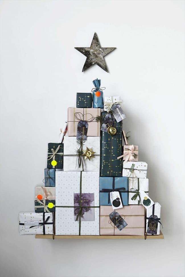 Новогодняя ёлка из подарков 1