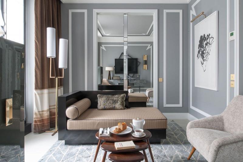 Зеркальные поверхности в гостиной 2019 2