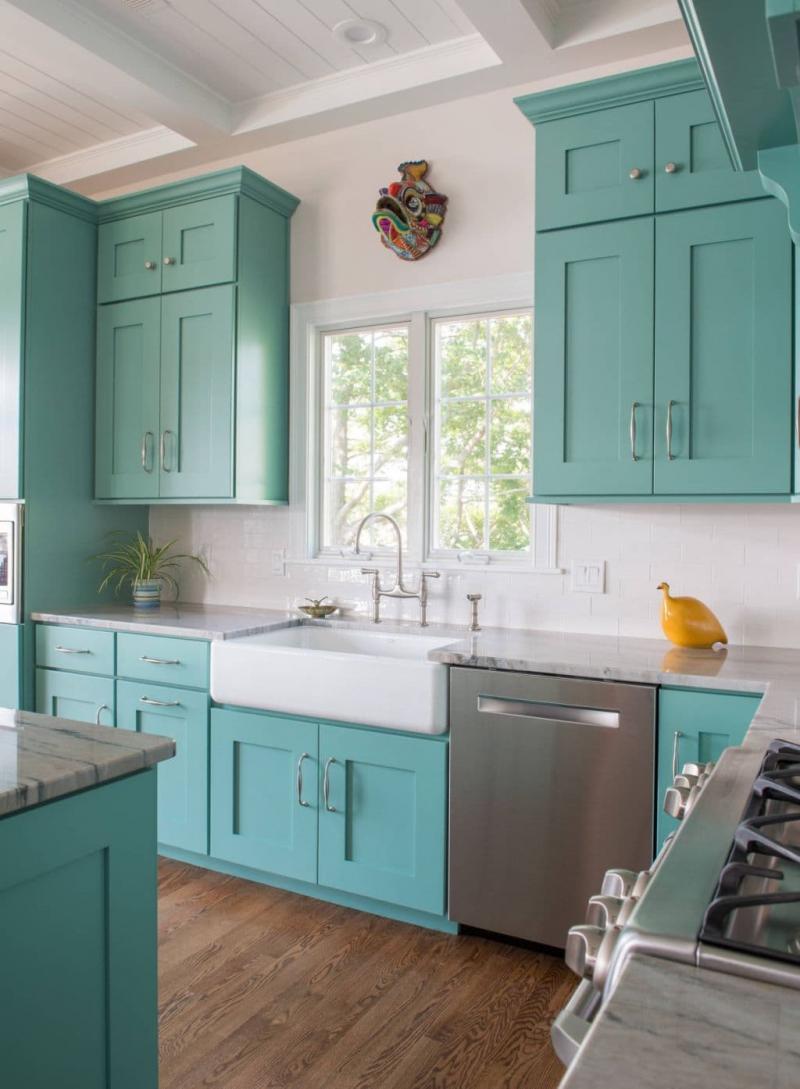 Цвет для кухни 12 кв.м. голубой 1