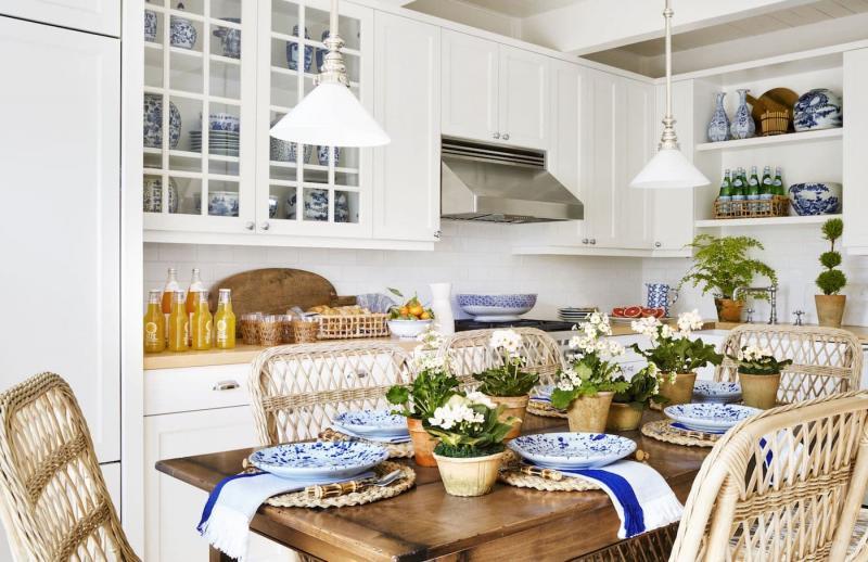 Обеденный стол на кухне 12 кв. м 5