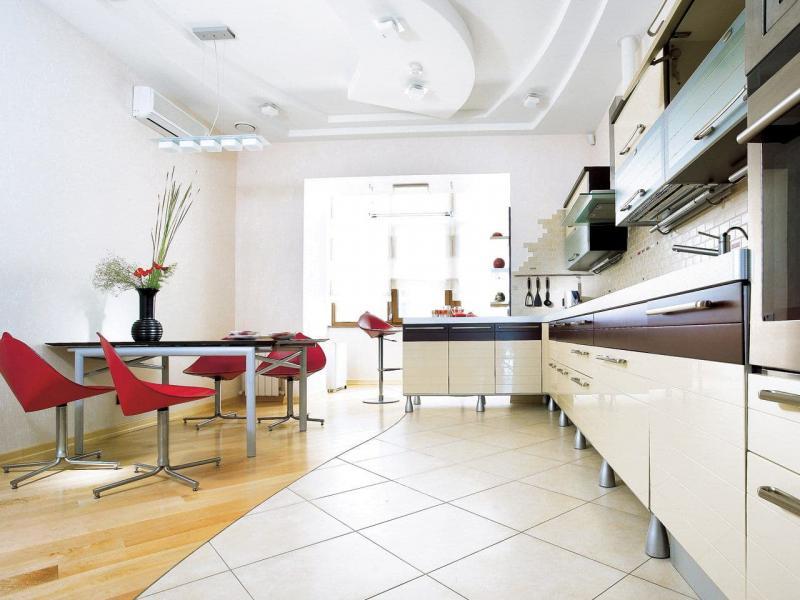 Пол на кухне 12 кв.м 1