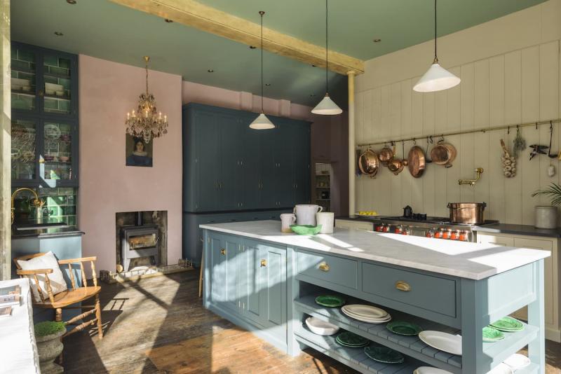 Потолок для кухни 12 кв.м 2