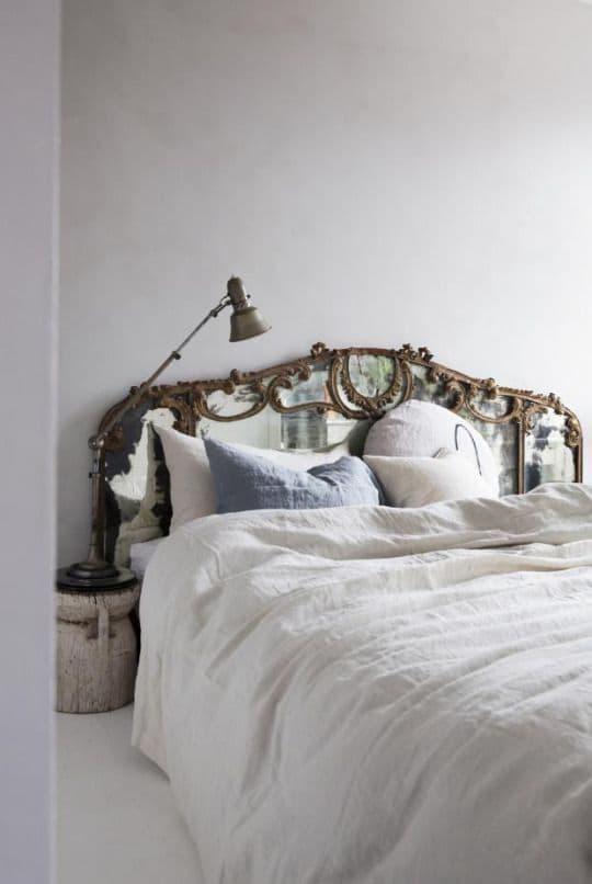 Кровать с необычным изголовьем 1
