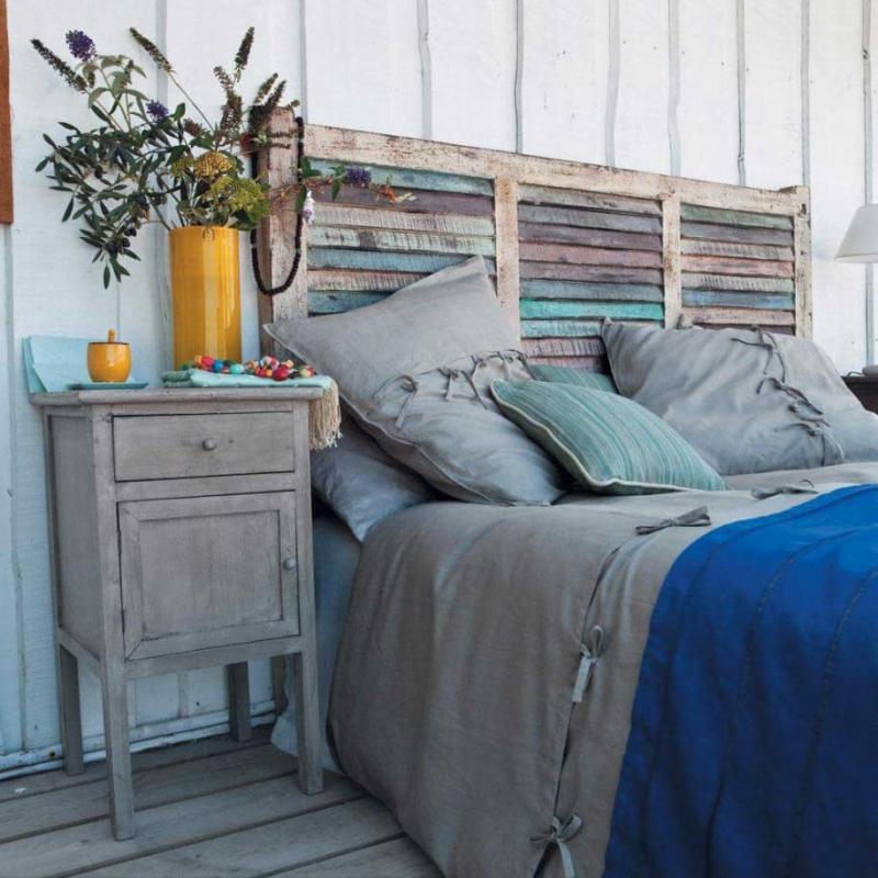 Кровать с необычным изголовьем 4