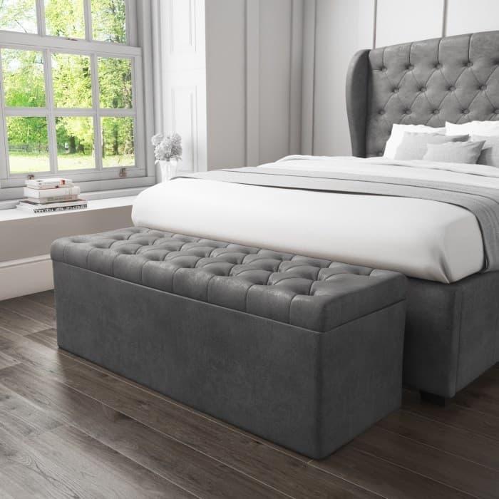 Пуффики с местом для хранения в интерьере спальни 2019 2