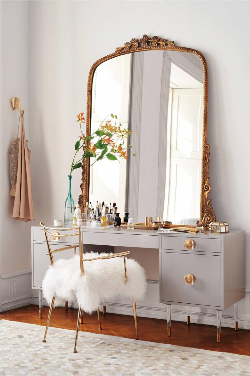 Туалетный столик в интерьере спальни 2019 1