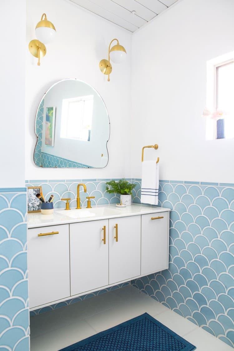 Аксессуары для ванной 2019 зеркала ассиметричные 1