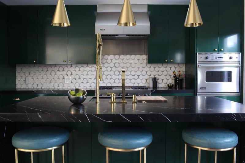 Цвет для оформления квартиры 2019 темно-зеленый 2