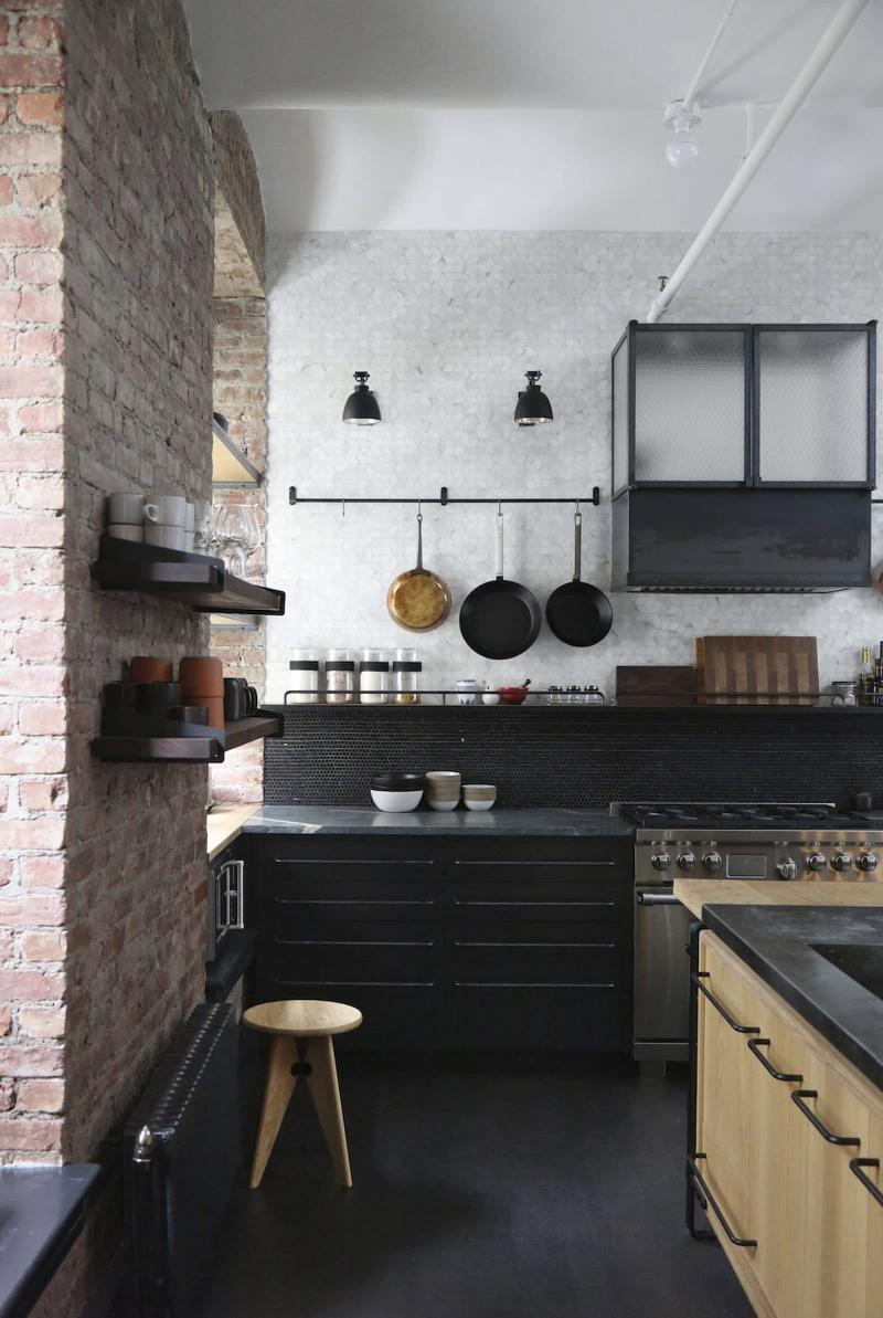 Фартук на кухне в стиле лофт 2