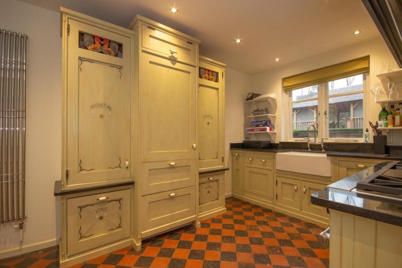 Столешница для кухни в стиле прованс 2