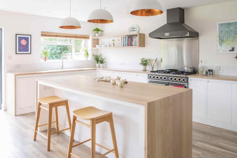 Вытяжка на кухне в скандинавском стиле 3