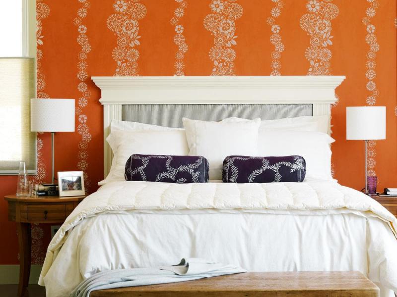 Цвет для маленькой спальни оранжевый 1