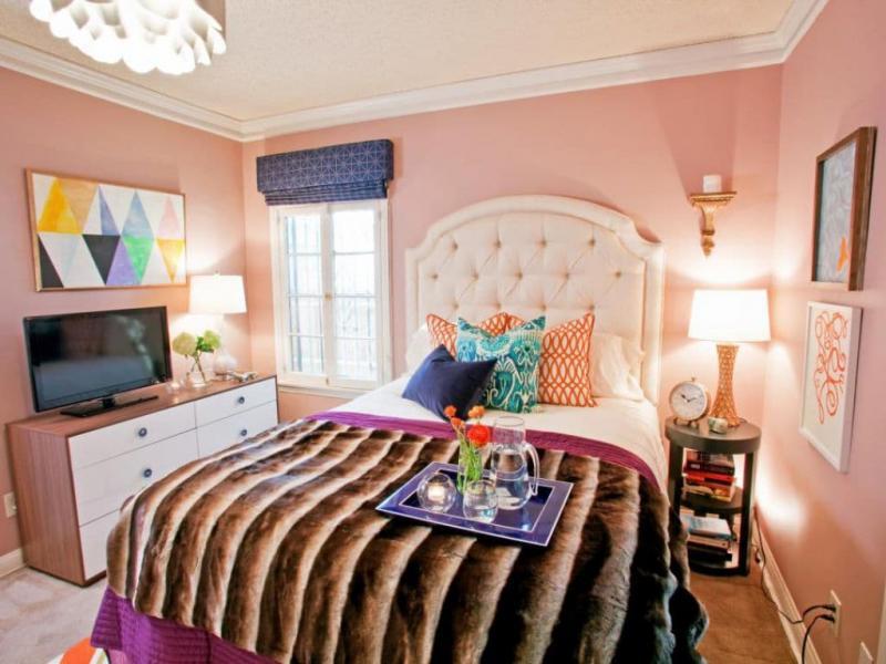 Цвет для маленькой спальни розовый 1