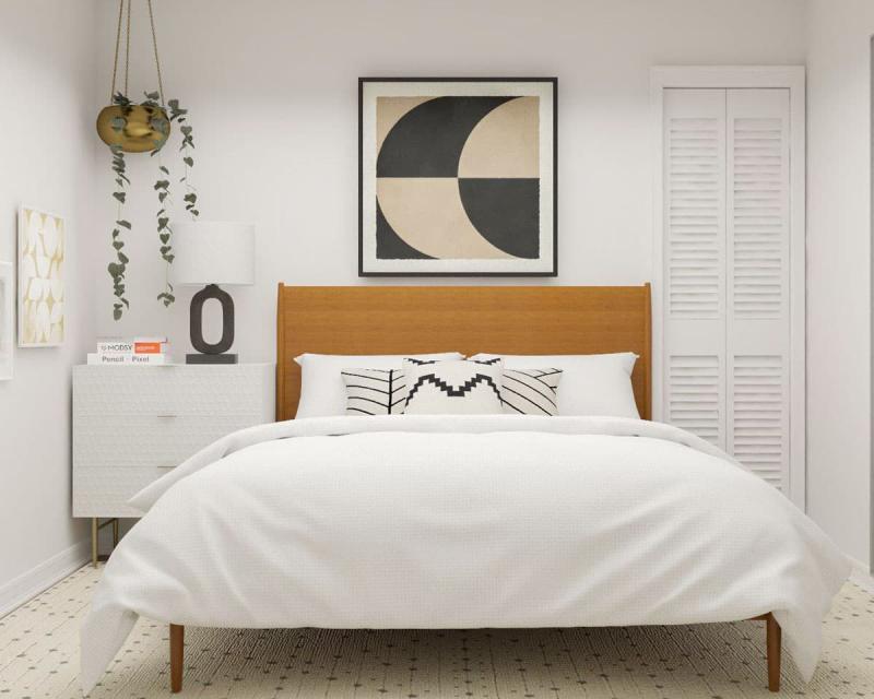 Кровать в маленькой спальне 2