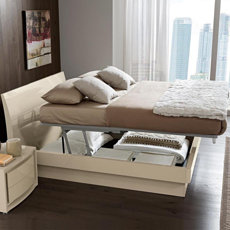 Кровать в маленькой спальне 5