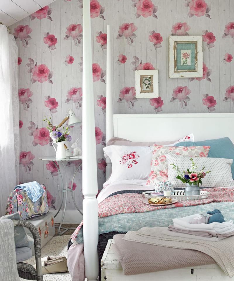 Облицовка стен в маленькой спальне 1