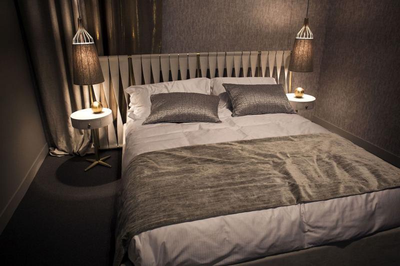 Освещение в маленькой спальне 5