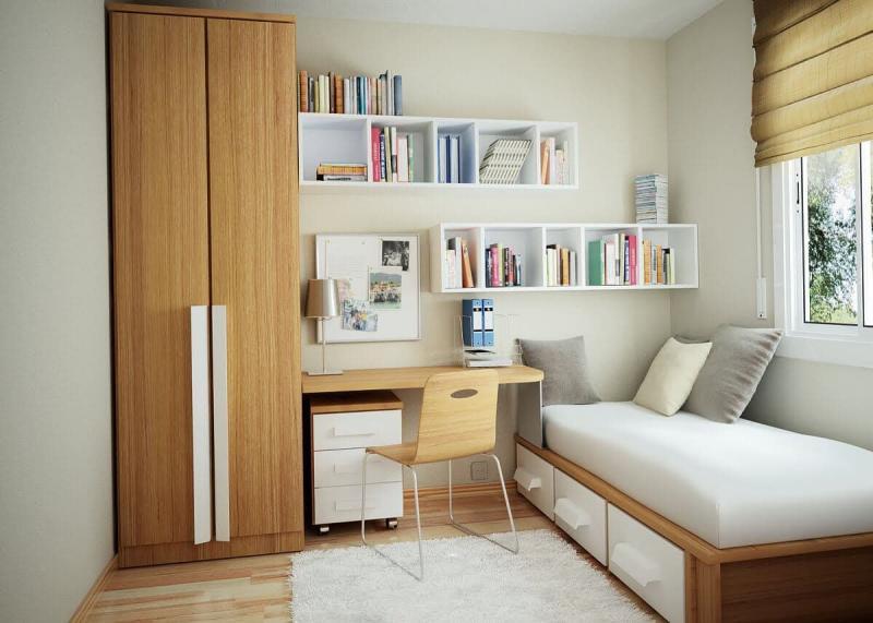 Письменный стол в маленькой спальне 2