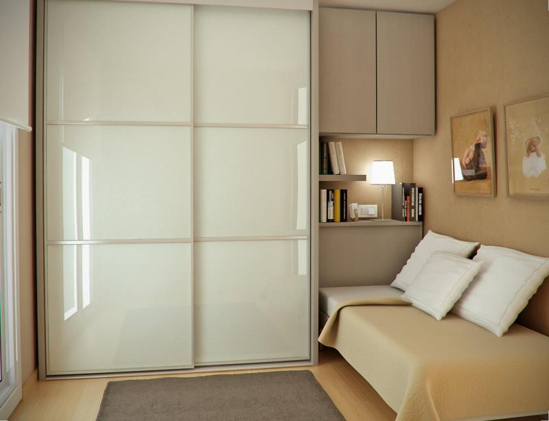 Шкаф в маленькой спальне 1
