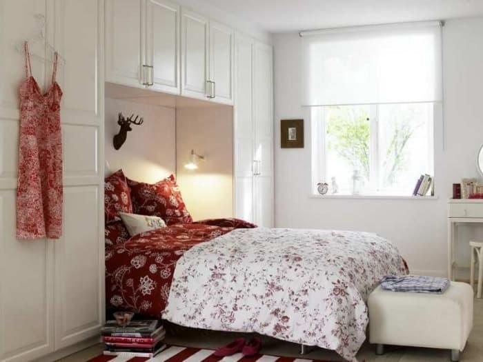 Шкаф в маленькой спальне 2