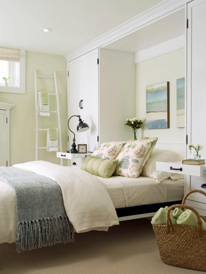 Шкаф в маленькой спальне 3