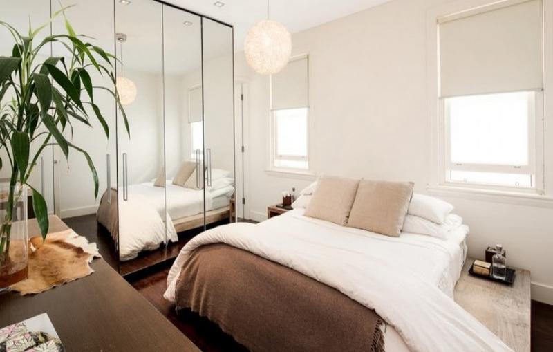 Шкаф в маленькой спальне 5