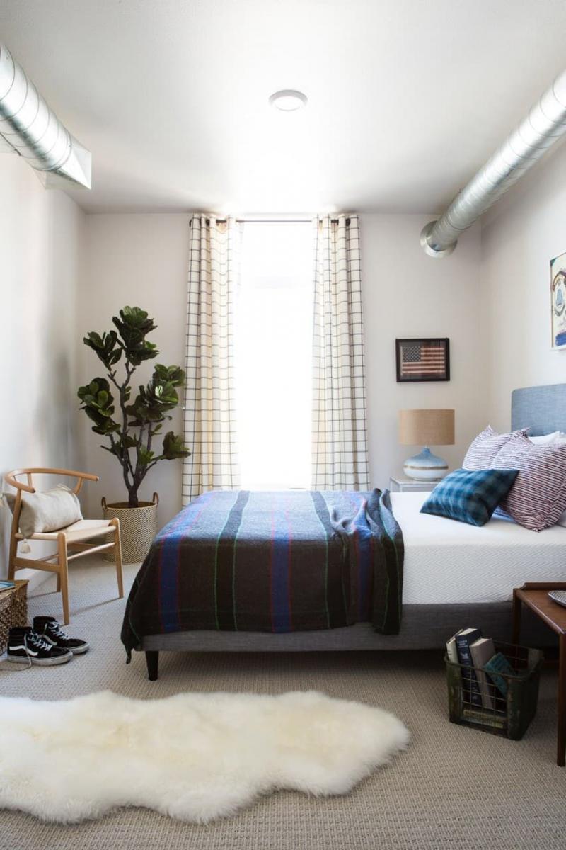 Шторы в маленькой спальне 1