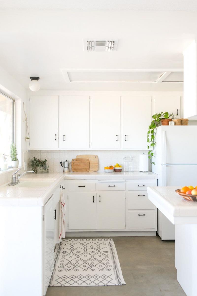 Цвет для кухни 9 кв. м белый 1