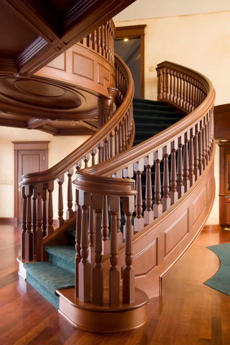 Балясины на лестницах на второй этаж 4
